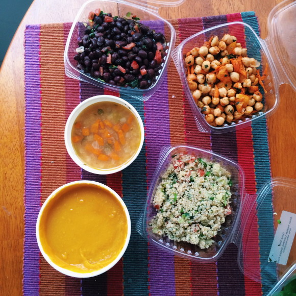 Gluten-free at Bountiful Eatery in Chicago- Gluten-free soup and salad | Gluten-Free Pearls